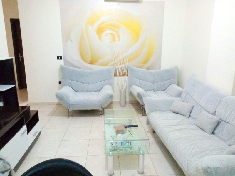 Квартира с 2-спальнями и мебелью в Хургаде